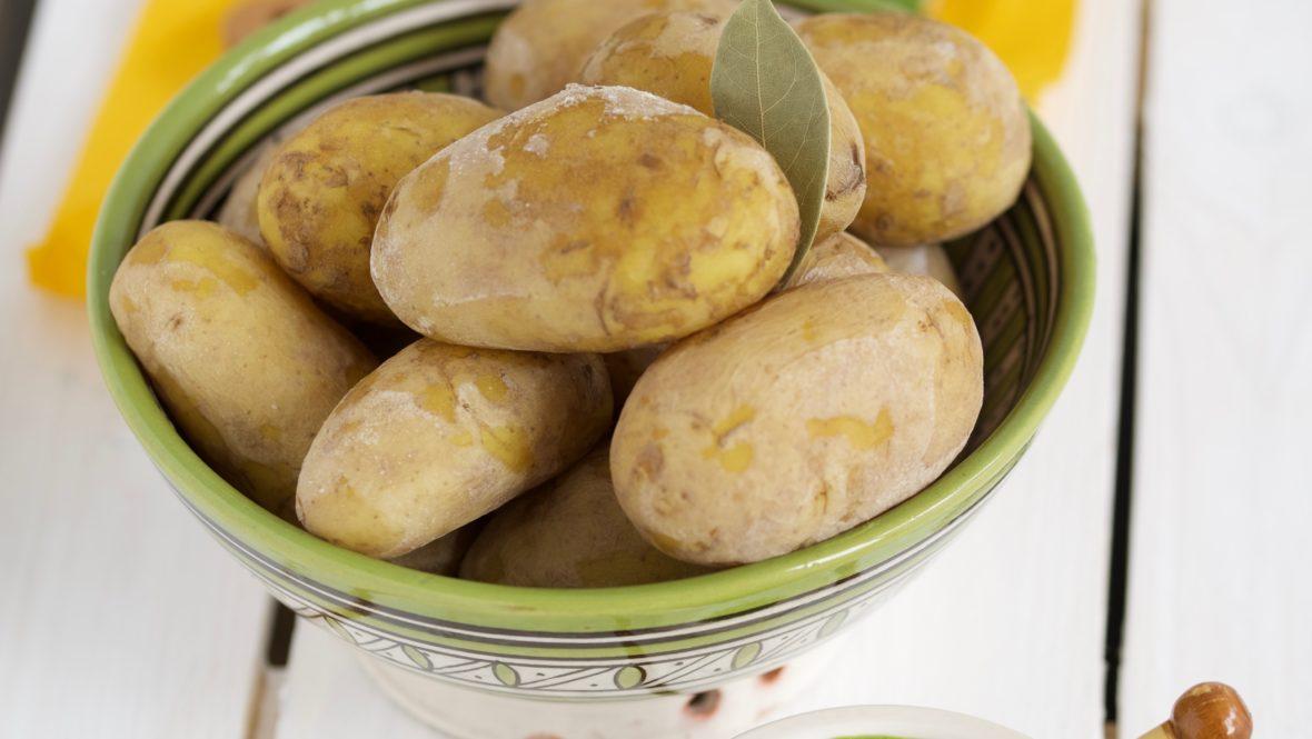 Kanarische Kartoffeln mit grüner Mojo